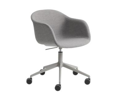 Muuto Fiber Chair draaistoel zwenkwielen en gaslift